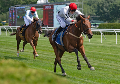 Winston C leads Vosne Romanee to wire in Smithwick 5