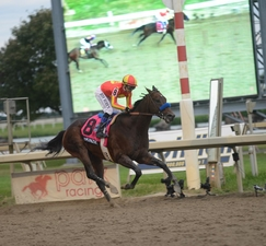 JPG Mckinzie at the finish line of the Pa Derby